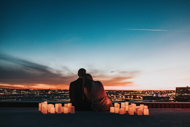 素敵な景色とカップル