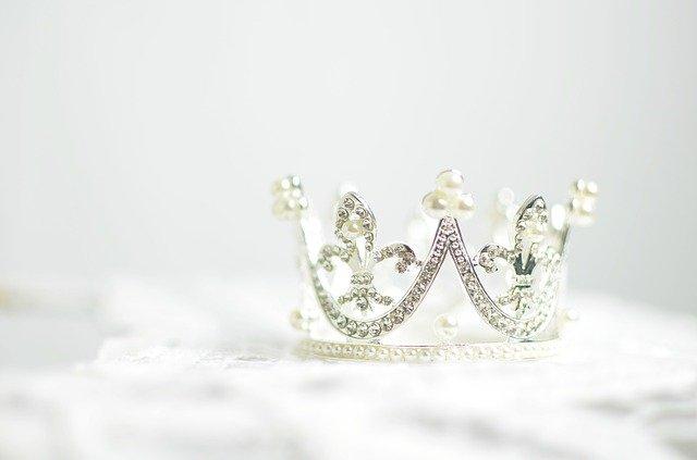 女王の王冠の画像