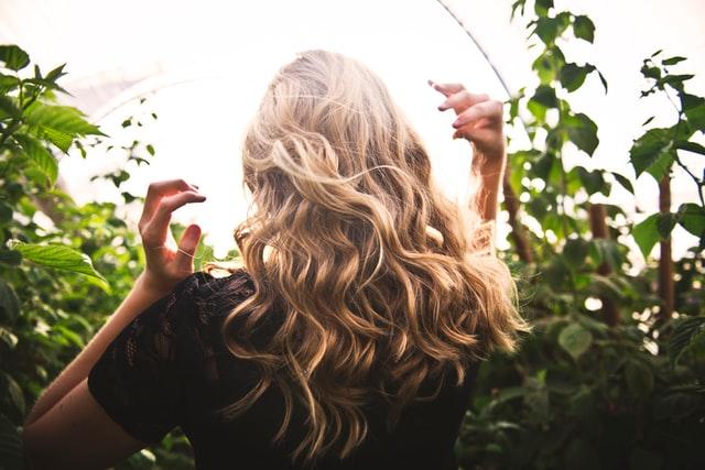 キレイな女性の髪の毛