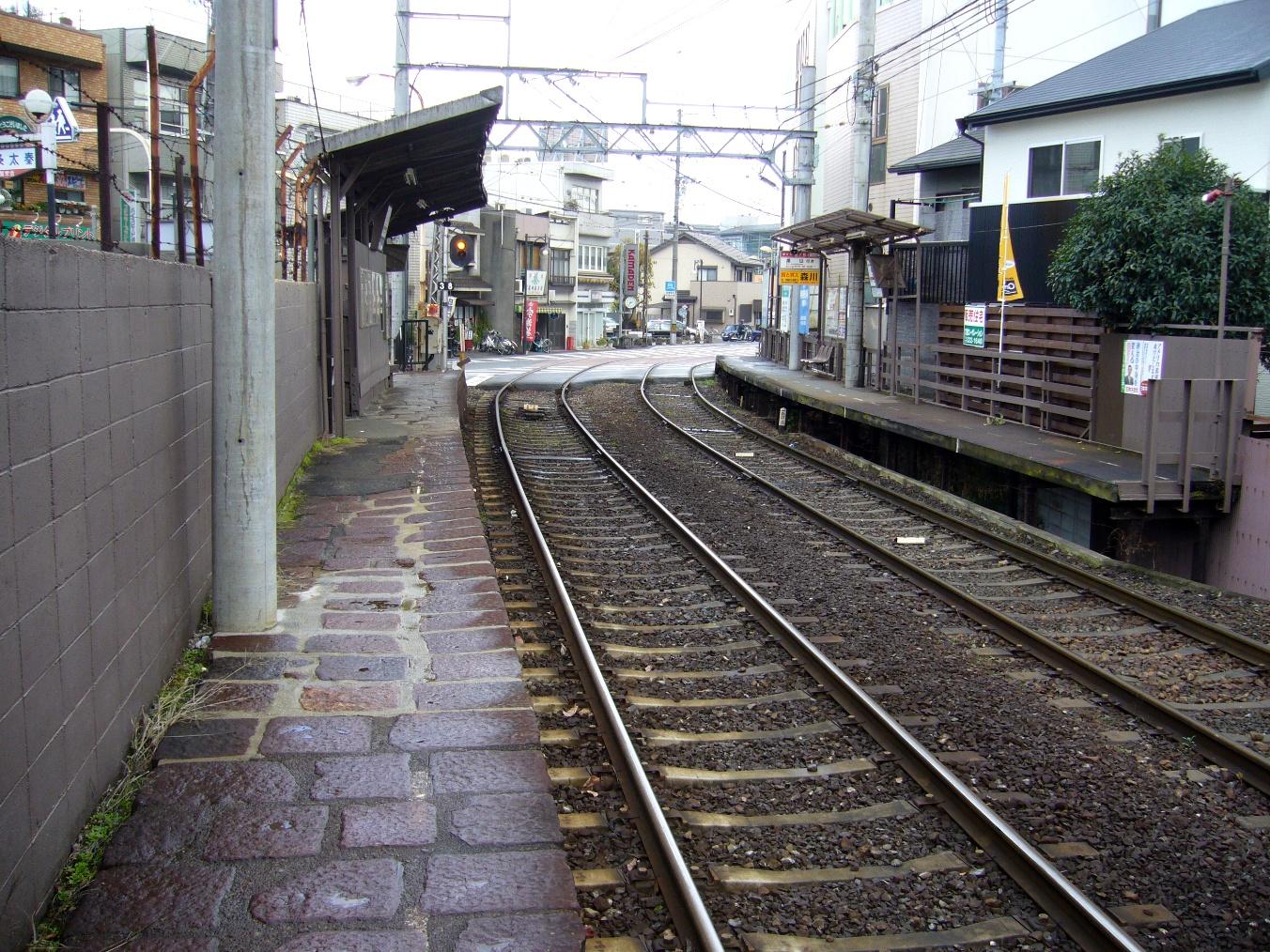 嵐電蚕ノ社駅ホーム