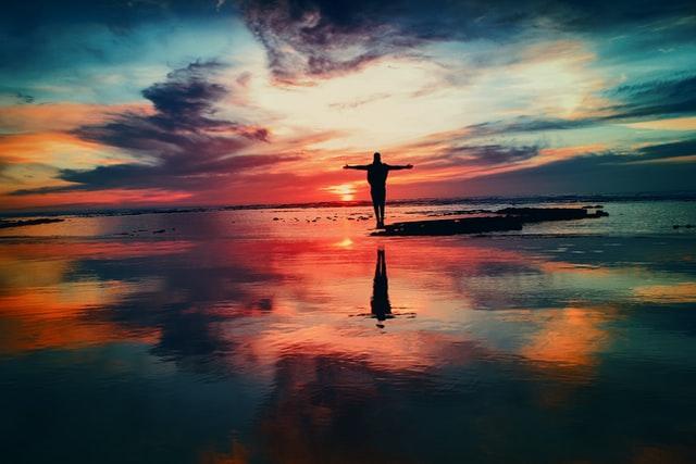 ウユニ塩湖の夕陽の画像