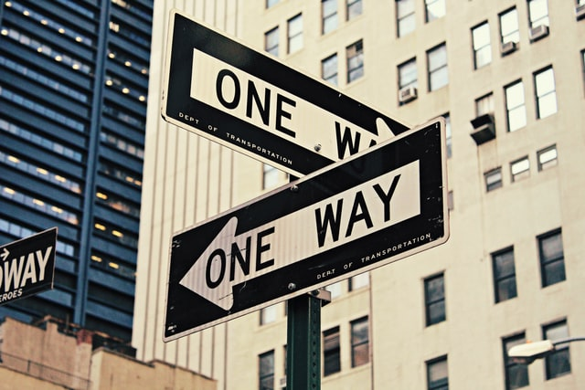 一方通行が2つある道